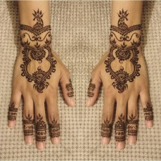Pretty mehndi designs 13